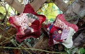Easy instructions for sewing rustic-style Christmas tree decorations