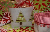 How to sew small linen baskets with Christmas trees (with free pattern)
