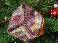 How to make a Christmas ornament in 3D (with free pattern)