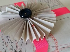 How to make a beautiful paper gift wrap