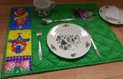 Easy instructions for sewing festive Christmas placemats