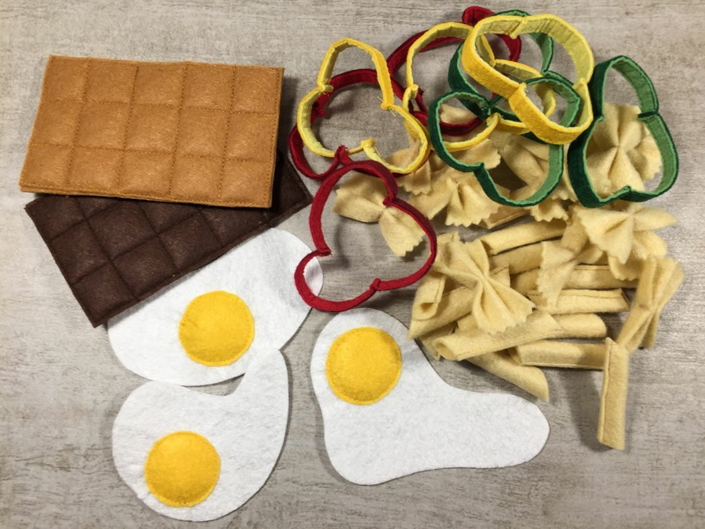How to make felt toy food (with free template)