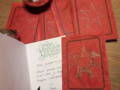 Easy instructions for creating handmade Christmas cards