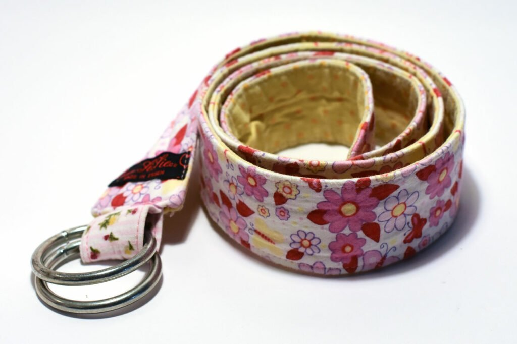 Easy instructions for sewing a fabric belt